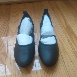 NEW in box Vince Camuto VP-Etheda Ballet Flat